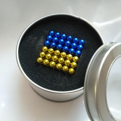 Неокуб Украина в жестяной коробочке